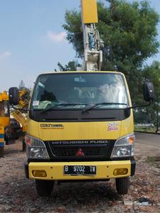rental mobil crane 11 meter