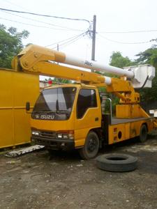 rental mobil crane 14 meter jakarta