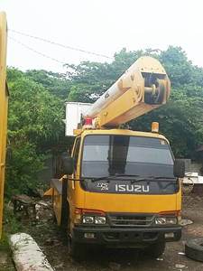 sewa mobil crane 14 meter