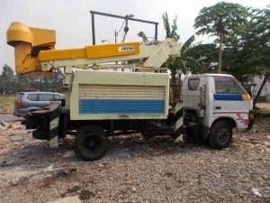 mobil crane isuzu 12 meter