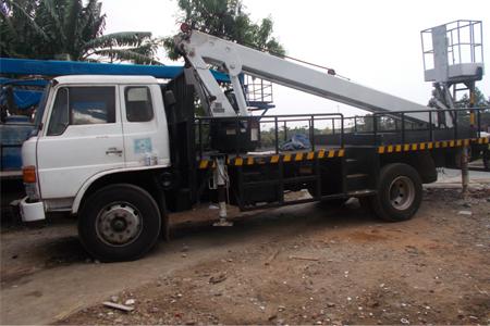 rental mobil crane 20m