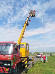 rental mobil crane 24 meter