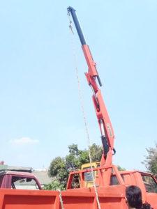 truk foco crane tampak samping