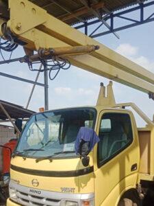hino rental mobil crane 11 12 meter