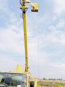 manuver rental mobil crane 11 12 meter